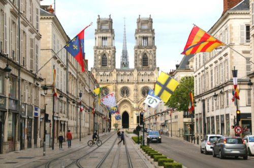 Article : En quête de repères dans la ville de Jeanne d'Arc, Chronique 002